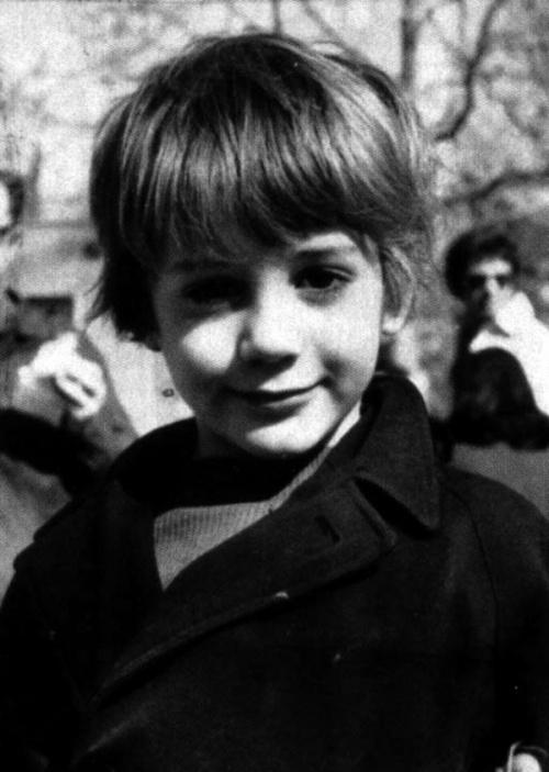 Фото знаменитостей в молодости.