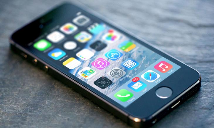 Apple iPhone 5s подробный видео-обзор, характеристики и отличия.